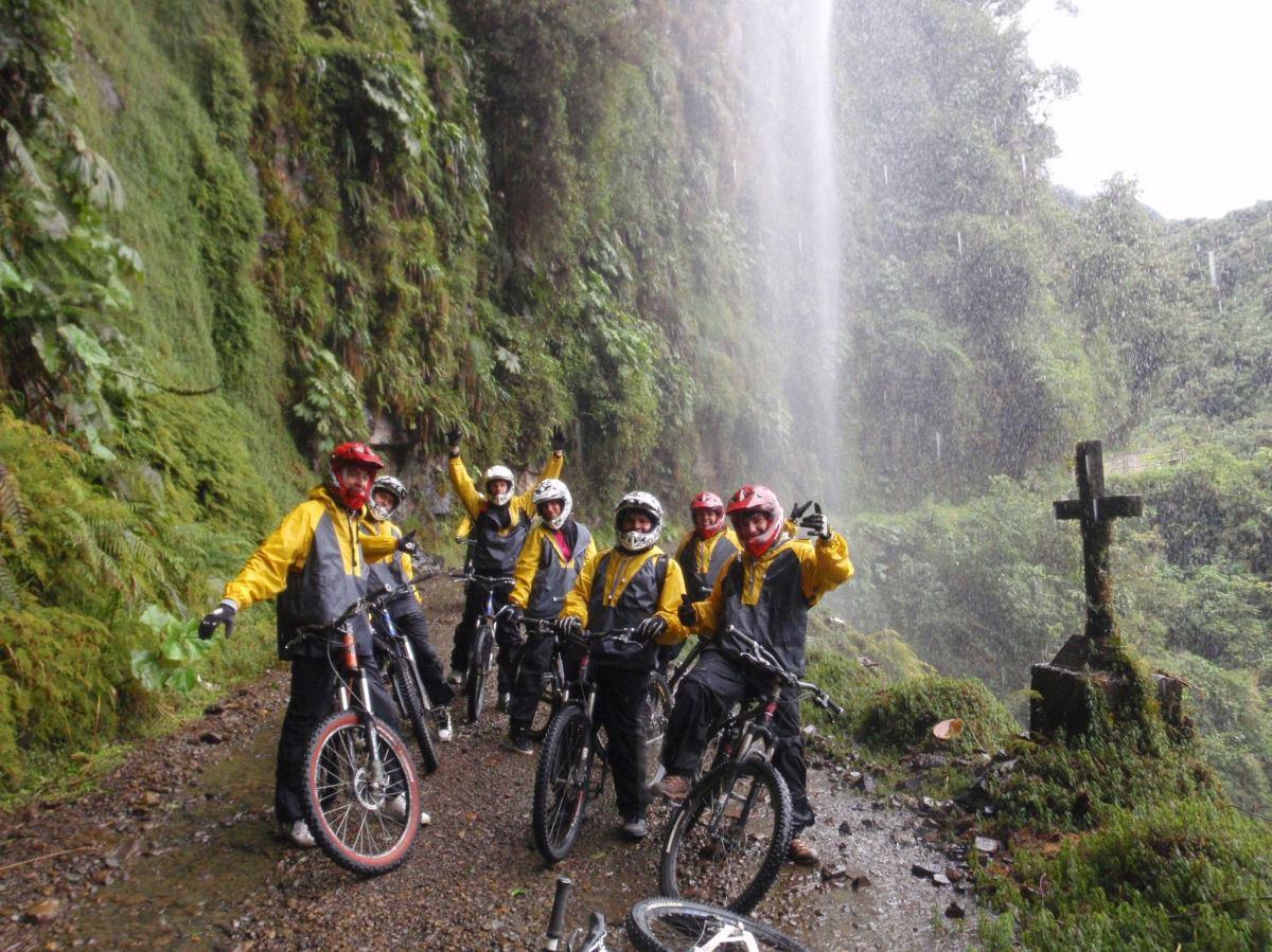5 COSAS QUE DEBES SABER DE LA RUTA DE LA MUERTE EN BOLIVIA